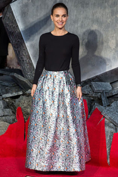 natalie-portman-round-neck-long-skirt